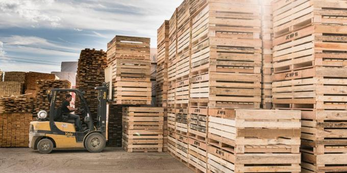 Universal Forest Products announces new structure to promote