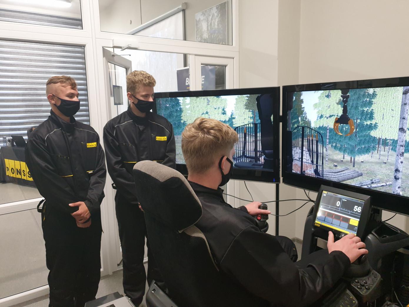 В Петрозаводском лесотехническом техникуме открылся учебный класс Ponsse