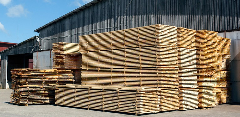 New year 2021 starts off with rising lumber prices in North America