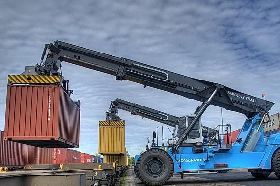 Онежский ЛДК увеличит отгрузку готовой продукции ускоренными контейнерными поездами