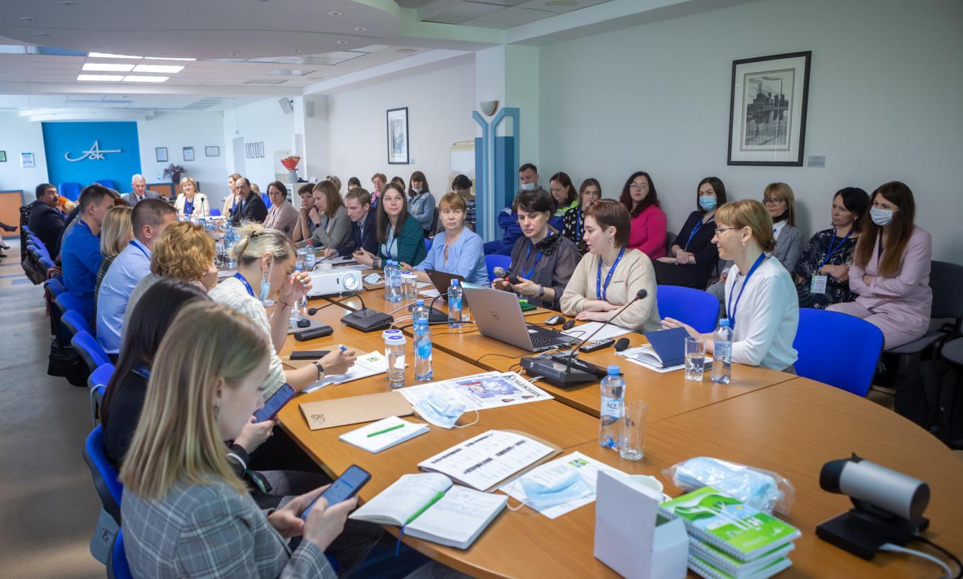 Участники выездного заседания РАО «Бумпром» подписали протокол о «зеленой» экономике