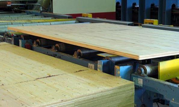 Югорский лесопромышленный холдинг инвестирует 131,9 млн руб. в линию по пропитке LVL-бруса и модернизацию котельной