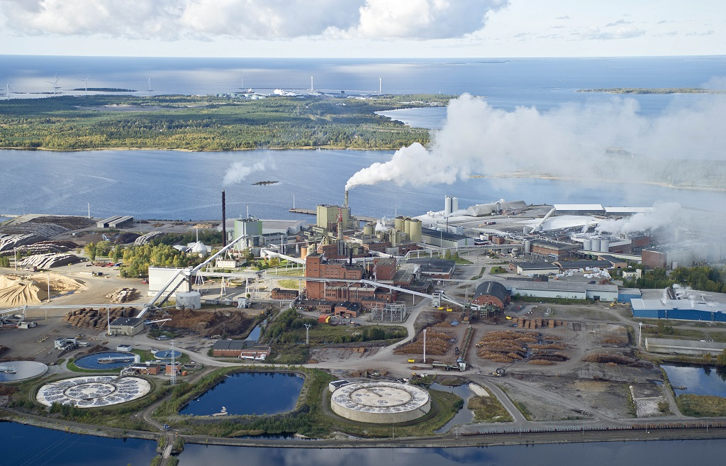 Stora Enso to close Swedish and Finnish paper mills