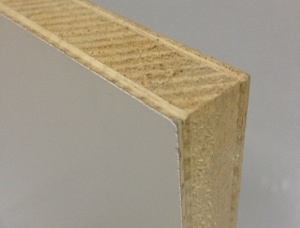 Paper/polyester overplay plywood/blockboard