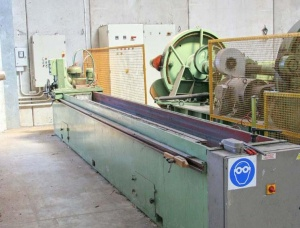 Sharpening machines for veneer