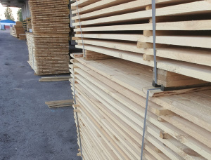 23 mm x 96 mm x 3000 mm KD R/S Heat Treated Siberian Pine Lumber