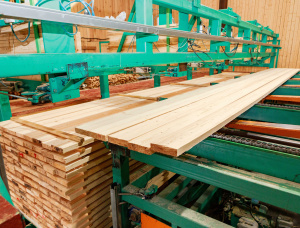 100 mm x 150 mm x 6000 mm Spruce-Pine-Fir (SPF) Flitch