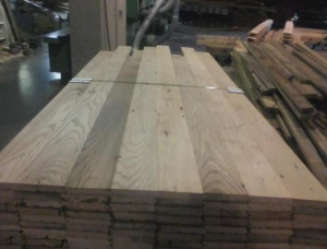 22 mm x 90 mm x 10 mm KD S4S Heat Treated Chestnut Lumber