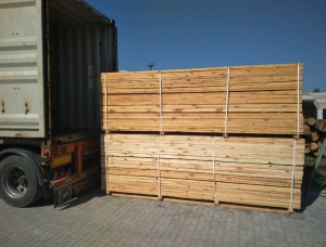 Construction lumber KD Pine 36 mm x 120 mm x 4 m