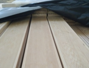 Larix Decking Board KD 27 mm x 143 mm x 6 m