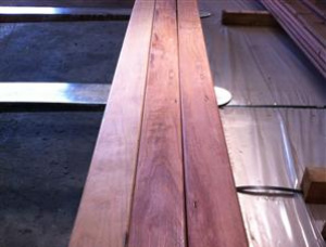 20 mm x 200 mm x 6000 mm KD R/S Heat Treated Ironbark Lumber