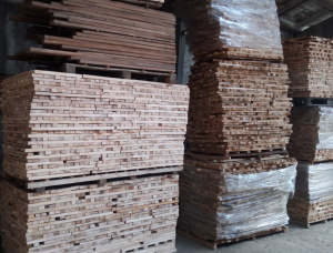30 mm x 100 mm x 2000 mm KD S4S Heat Treated Oak Lumber