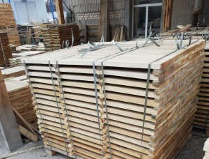 28 mm x -200 mm x 3000 mm KD  Brown Ash Joinery lumber