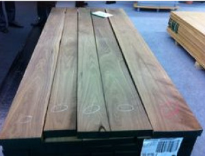 50 mm x 150 mm x 600 mm KD S4S Heat Treated Walnut Lumber