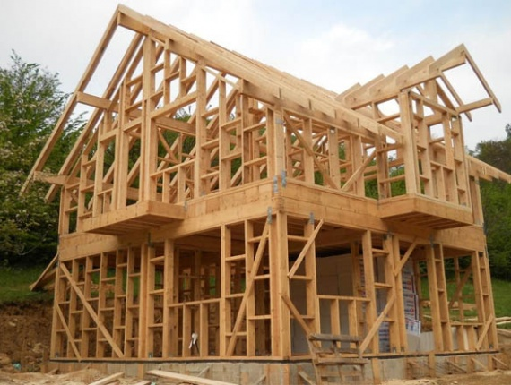 Wooden carcass house, roof trusses